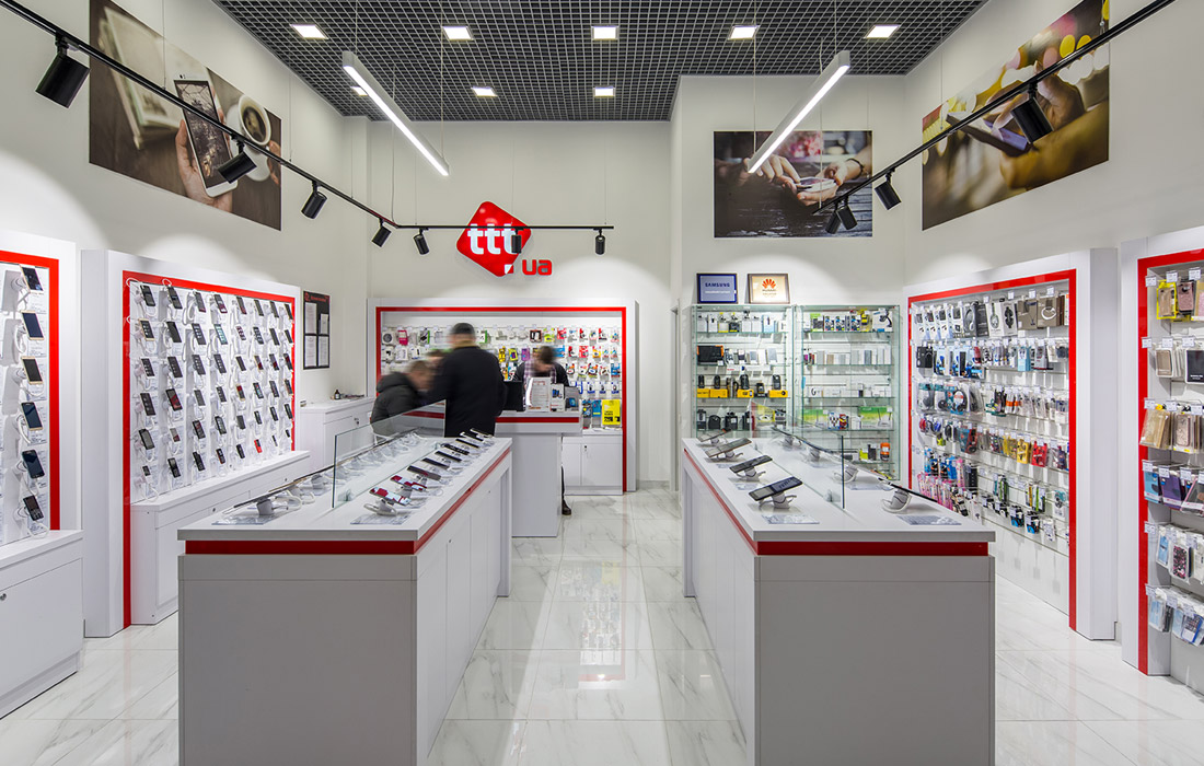 ttt освещение магазина гаджетов в Киеве