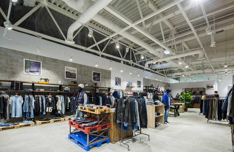 Stem - освещение магазина брендовой одежды - 4
