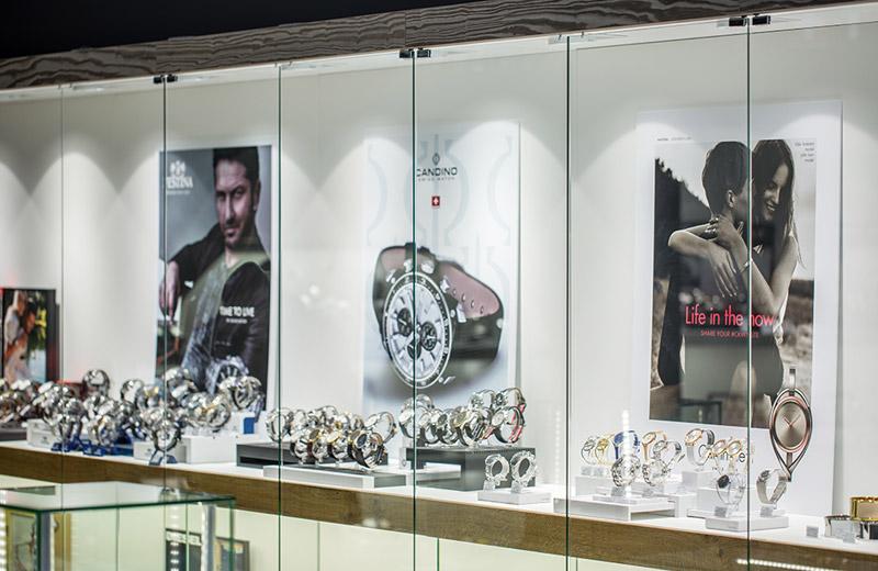 Zifferblatt - освещение магазина часов - 4
