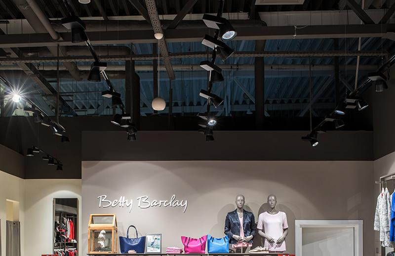Освещение для магазина одежды - betty barclay-2